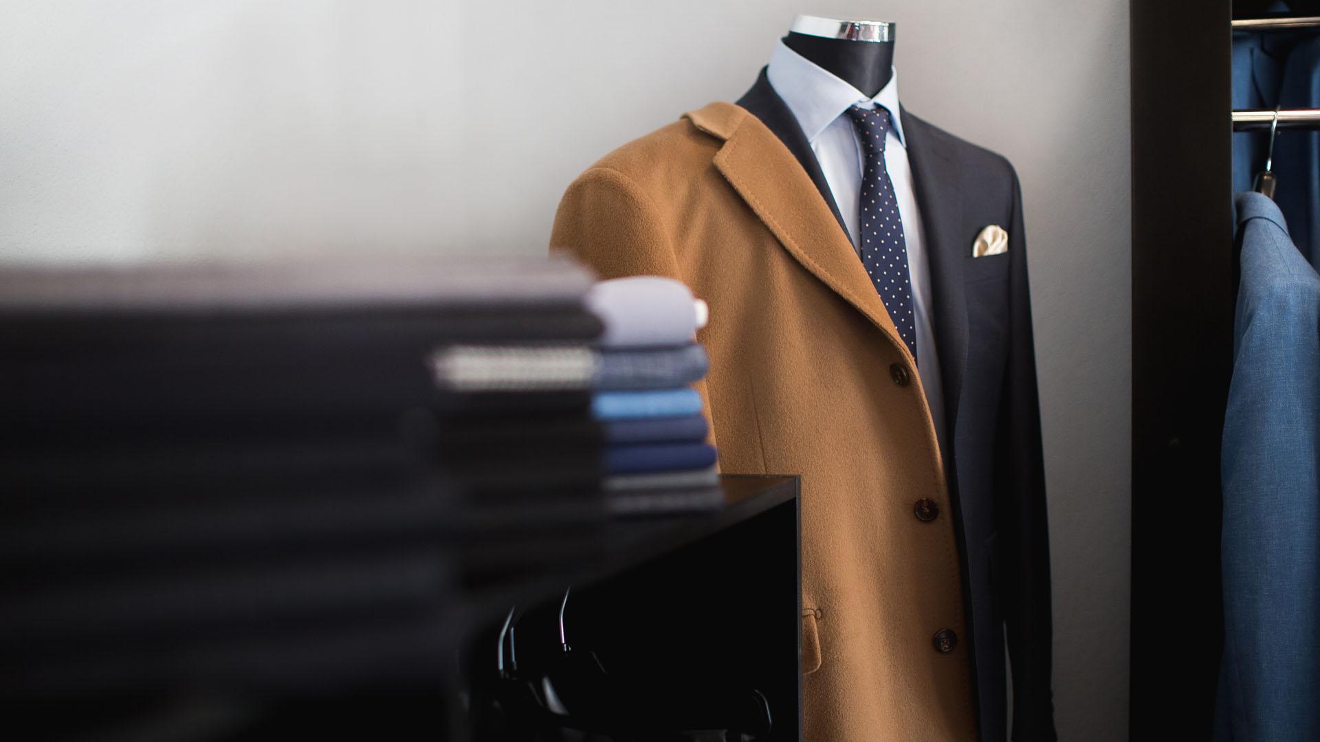 """9bc7c9c603a4e Pamiętajmy, że ubiór pracowników stał się jedną z fundamentalnych  składowych strategii marketingowej wielu firm, dlatego też w myśl  przysłowia """"Jak Cię ..."""